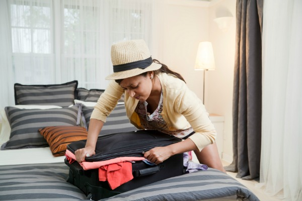 How-to-pack-carry-on-luggage.jpg_