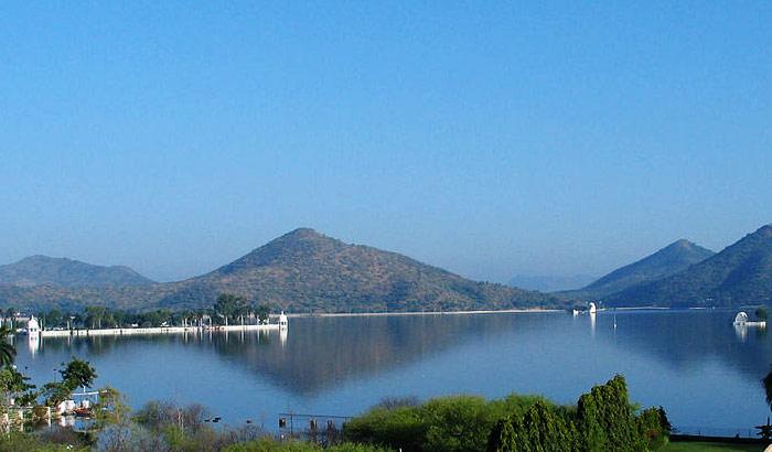Fateh-Sagar-Lake