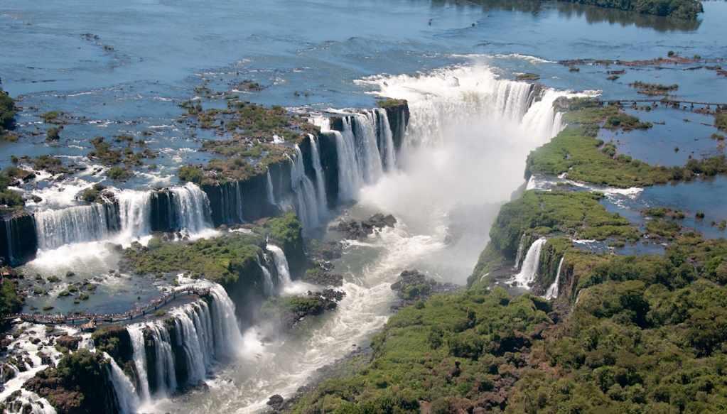 Iguazu_Falls_Iguazu_National_Park_2